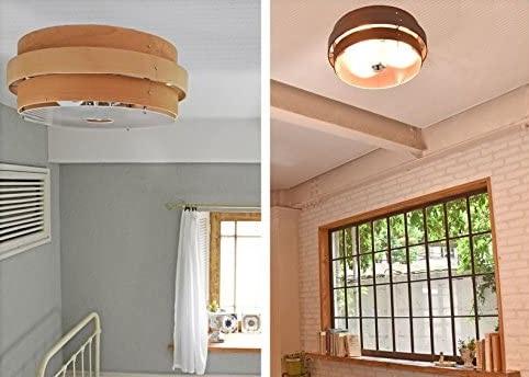和室に木枠のシーリングライト