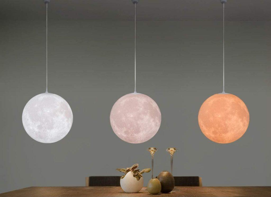 和室に月のような照明