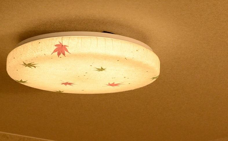 和紙で作った和室用のおしゃれなシーリングライト